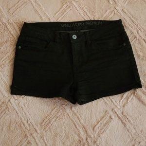 Tillys Vanillastar Premium black Jean shorts